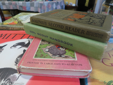 Reusing old book for printing surfaces with Linda Germain